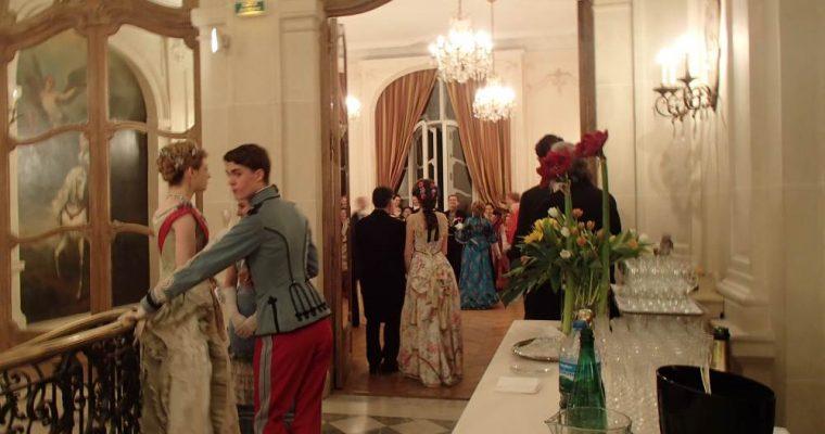 Bal dans des salons de l'Avenue de Wagram, Paris, 12 avril 2014